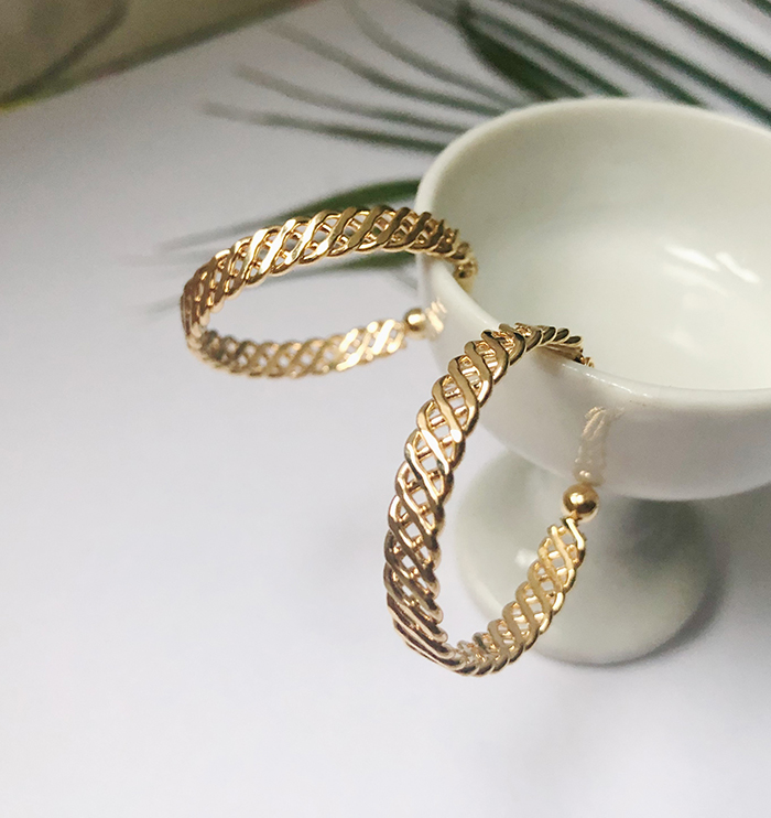 Eco安珂飾品,韓國耳環,耳夾式耳環,圈圈耳環,C圈耳環,大圈耳環,垂墜耳環,夏天耳環,夏天飾品